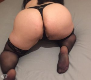 Leonita chubby escorts in Dewsbury, UK